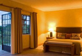 456_sabyinyo_bedroom.jpg