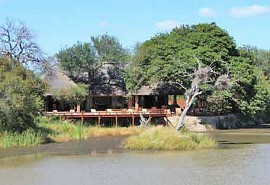 1-gomo-lodge.jpg