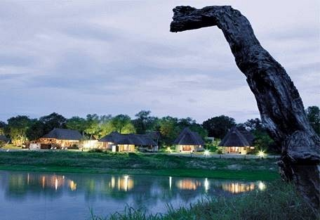 sunsafaris-10-arathusa-safari-lodge.jpg
