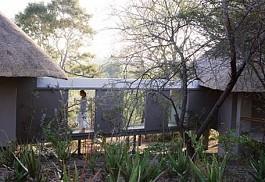 sunsafaris-1-londolozi-pioneer-camp.jpg