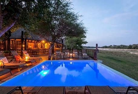 sunsafaris-11-Umkumbe-Safari-Lodge.jpg