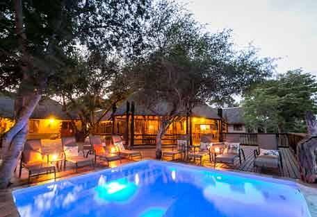 sunsafaris-2-Umkumbe-Safari-Lodge.jpg