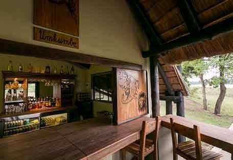 sunsafaris-4-Umkumbe-Safari-Lodge.jpg
