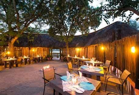 sunsafaris-5-Umkumbe-Safari-Lodge.jpg