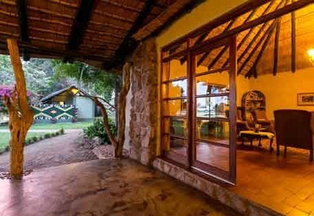 sunsafaris-6-Umkumbe-Safari-Lodge.jpg