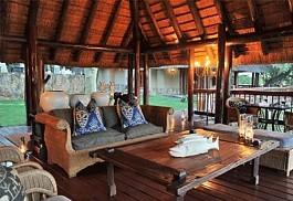 sunsafaris-1-sunsafaris-thornybush-waterside-lodge.jpg