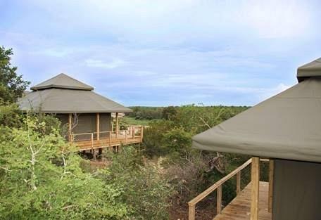 sunsafaris-2-simbavati-hilltop.jpg