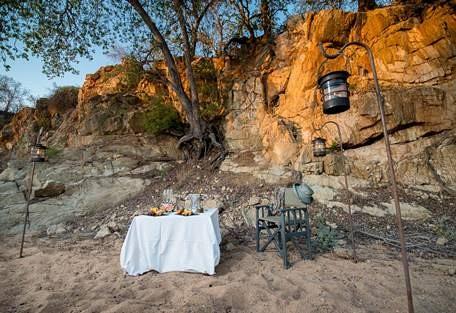 Sun-safaris-3-simbavati-river-lodge.jpg