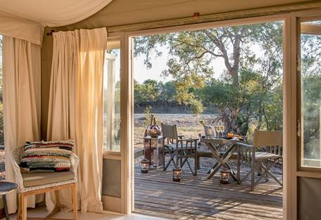 Sun-safaris-4-simbavati-river-lodge.jpg