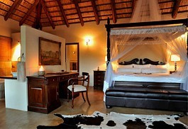 05-suite-bedroom.jpg