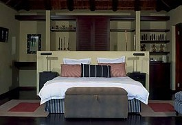 456a_tshwene_bedroom.jpg