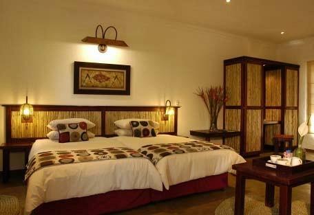 456c_hippo-hollow-country-estate_bedroom.jpg