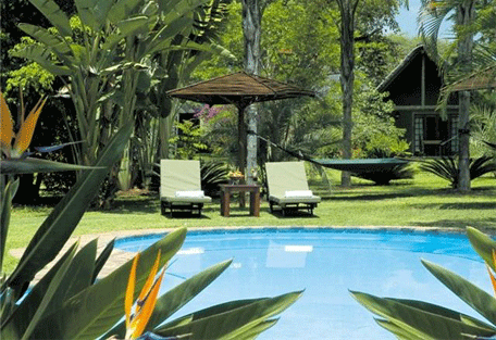 456g_hippo-hollow-country-estate_pool.jpg