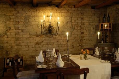 06-dining-area.jpg