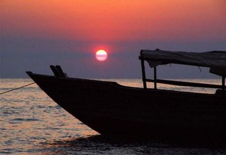 b02-boat.jpg