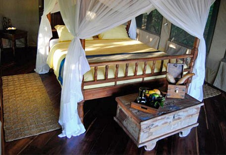 Kungwe Beach Lodge Gallery 456a Bed Jpg