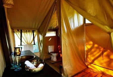 sunsafaris-6-dunia-camp.jpg