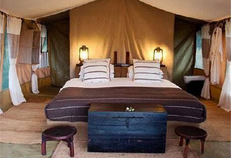 sunsafaris-9-dunia-camp.jpg