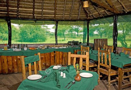 456d_ikoma-bush-camp-lunch.jpg
