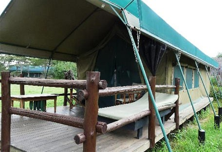 04-tents.jpg