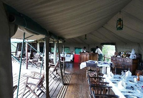 01-dining-area.jpg