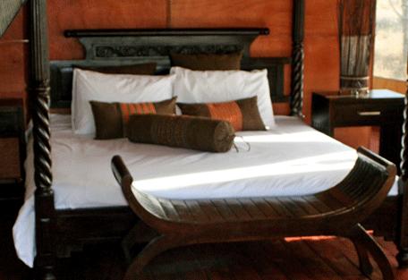 456h_lake-masek-tented-camp_bed.jpg