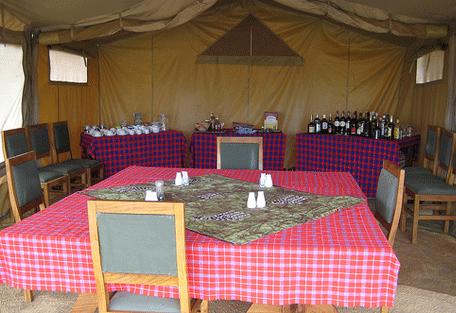 456d_kensington-serengeti-camp_dining.jpg