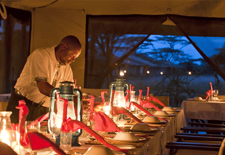 456f_moru-under-canvas-tented-camp_dinner-candlelight.jpg
