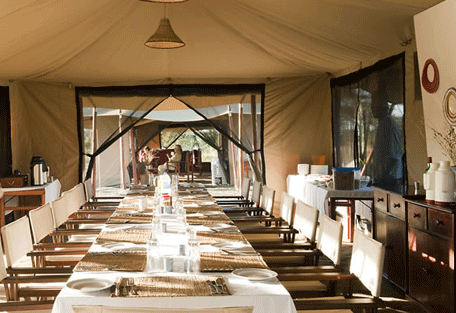 456e_moru-under-canvas-tented-camp_lunch.jpg