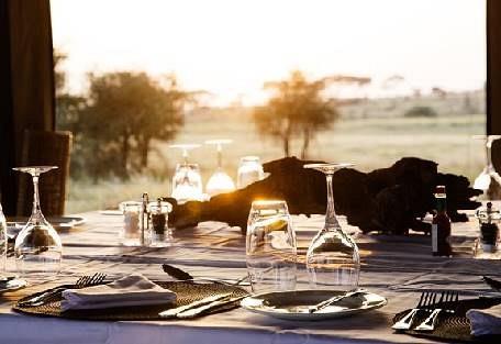 sunsafaris-5-namiri-plains.jpg