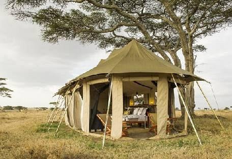 sunsafaris-6-namiri-plains.jpg