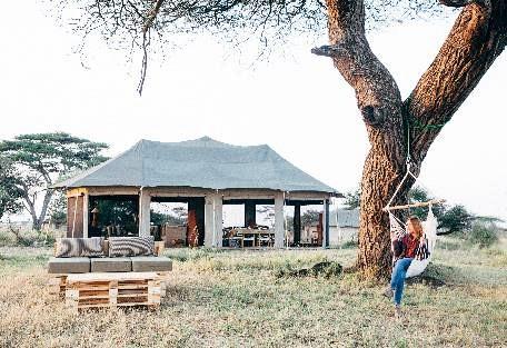sunsafaris-8-namiri-plains.jpg