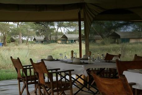 456c_ndutu-under-canvas-tented-camp_dining.jpg