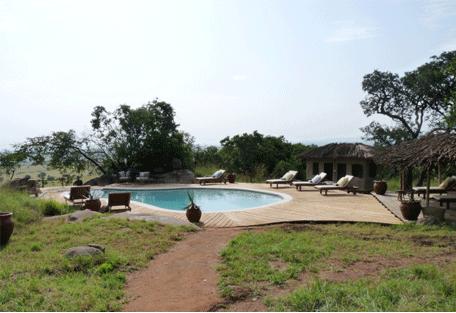 456f_nomad-lamai-camp_swimming-pool.jpg