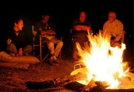 o05-campfire.jpg