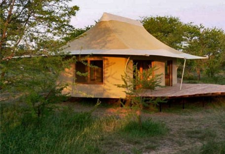 06-tent-exterior.jpg
