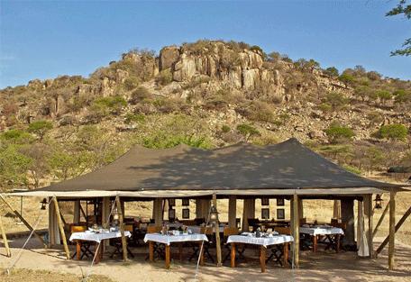 456a_serengeti-pioneer-camp_exterior2.jpg