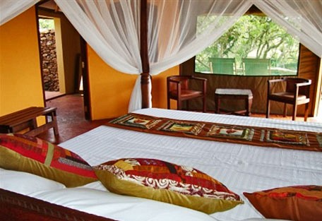 456d_simbalodge_bed.jpg