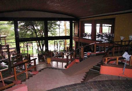 456c_serengeti-sopa-lodge-lounge.jpg