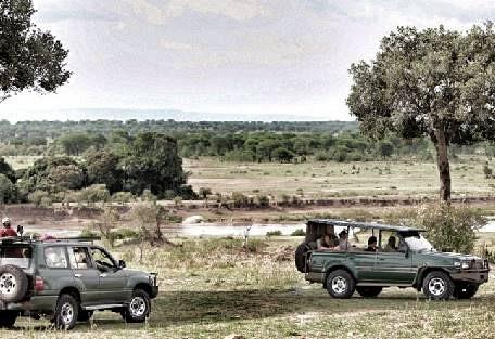 sunsafaris-5-serengeti-north.jpg