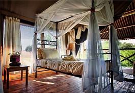 456a_tarangirerivercamp_bed.jpg