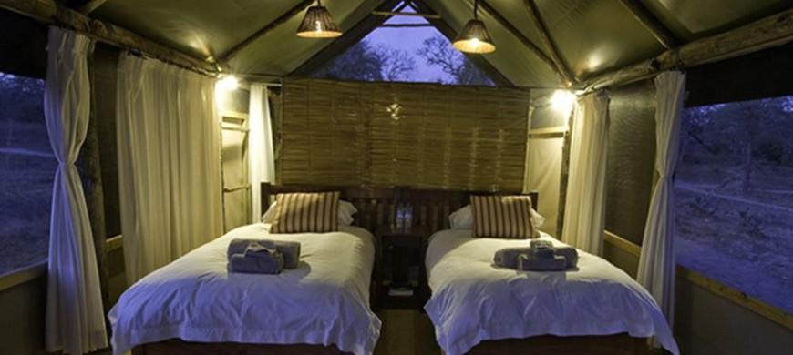 2-lufupa-tented-camp.jpg