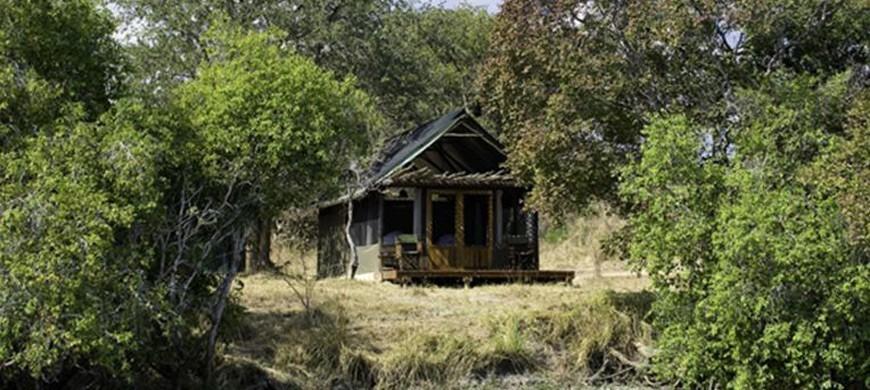 3-lufupa-tented-camp.jpg