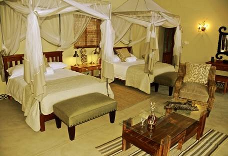 sunsafaris-10-camelthorn-lodge.jpg