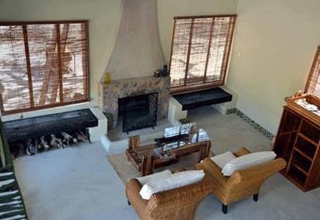 sunsafaris-19-camelthorn-lodge.jpg