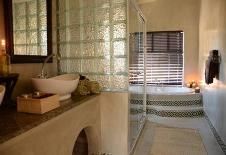 sunsafaris-4-camelthorn-lodge.jpg