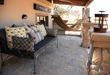 sunsafaris-6-camelthorn-lodge.jpg