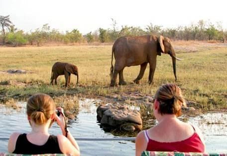 sunsafaris-3-lake-kariba.jpg