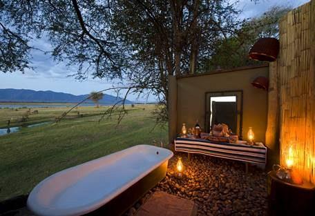 sunsafaris-16-rukomechi-camp.jpg