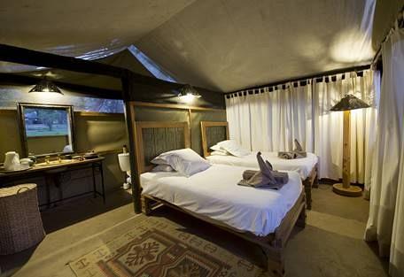 sunsafaris-5-rukomechi-camp.jpg